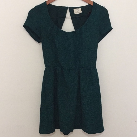 b48908c781d9a Urban Outfitters Dresses | Pin And Needles Green Floral Texture ...